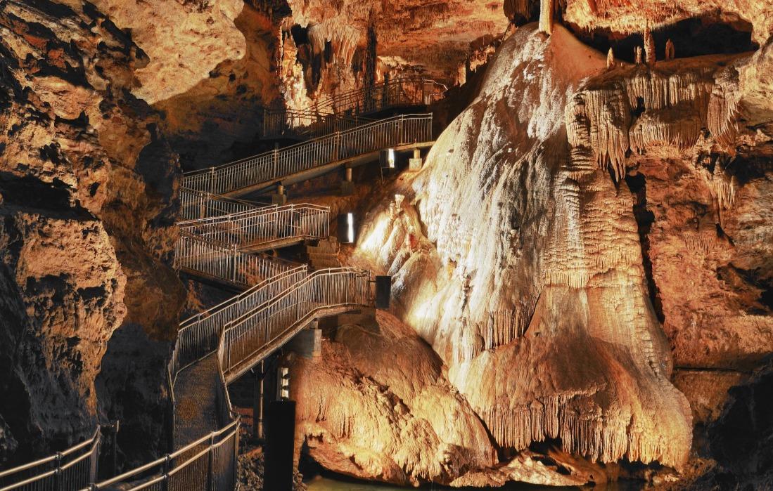 onondaga state park cave