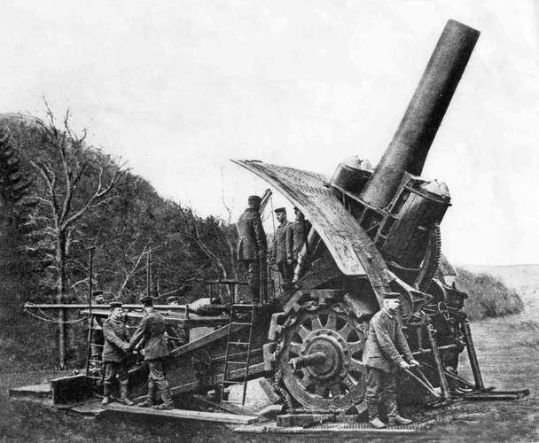 howitzer-Big-Bertha-Western-Front-1914